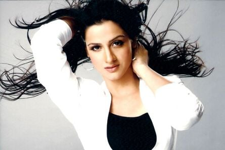 http://www.tellychakkar.com/sites/tellychakkar.com/files/imagecache/Display_445x297/images/story/2009/12/24/prabhleen.jpg