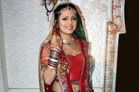 Drashti Dhami