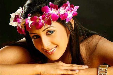 Chahat Khanna (Ayesha)