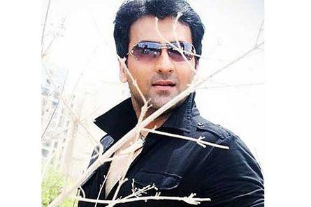 Zeb Khan