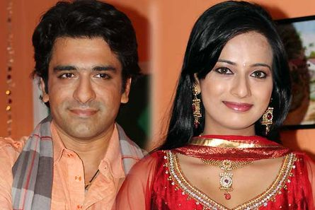 eijaz khan and sara khan - photo #17