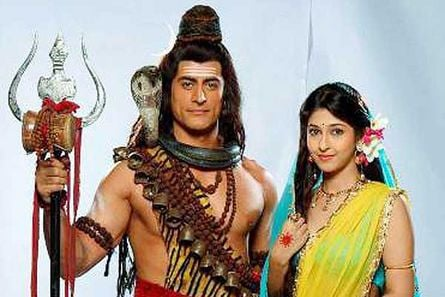 Shiv and Parvati to unite; Kartikeya to kill Tarkasur in Mahadev