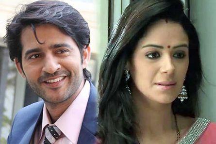 Hiten Tejwani and Mona Singh