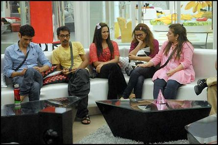 Bigg boss season 6 8 december 2012 desi tashan / Smotret