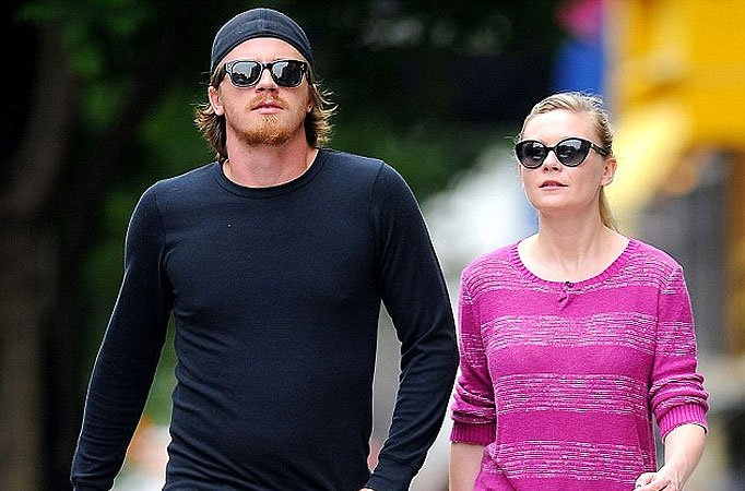 Kirsten Dunst, Jesse Plemons engaged - TV Shows