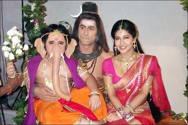 Baal Ganesh With Mahadev And Parvati : Mohit Raina And