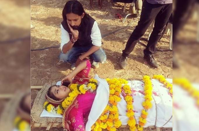 Rise from the death: Shivani to escape Berahampur in Ghulaam
