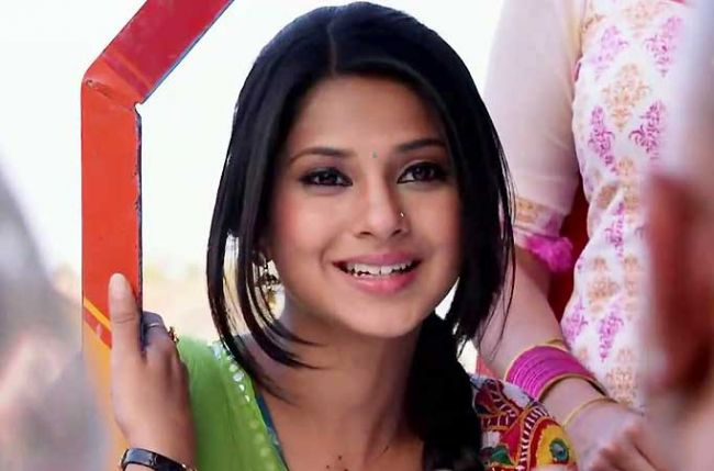 Here enters the new guy, Pramad Dhan, in Kumud's life in ...