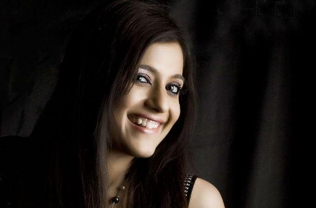 Savdhaan india actress real name with photo : Violetta
