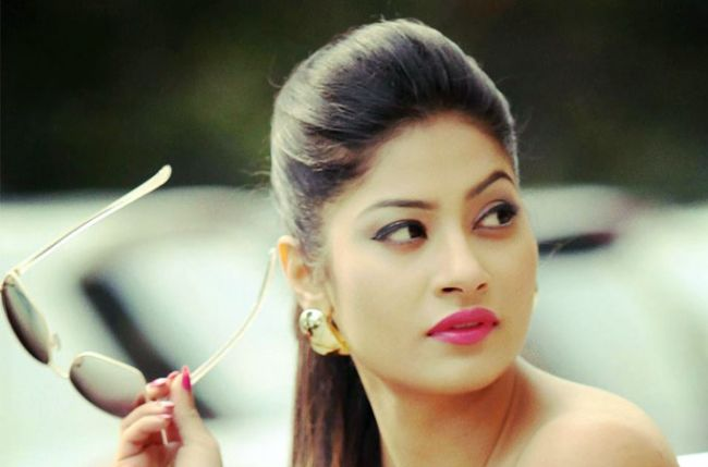 Krishna mukherjee talks about her acting debut with channel v s jhalli
