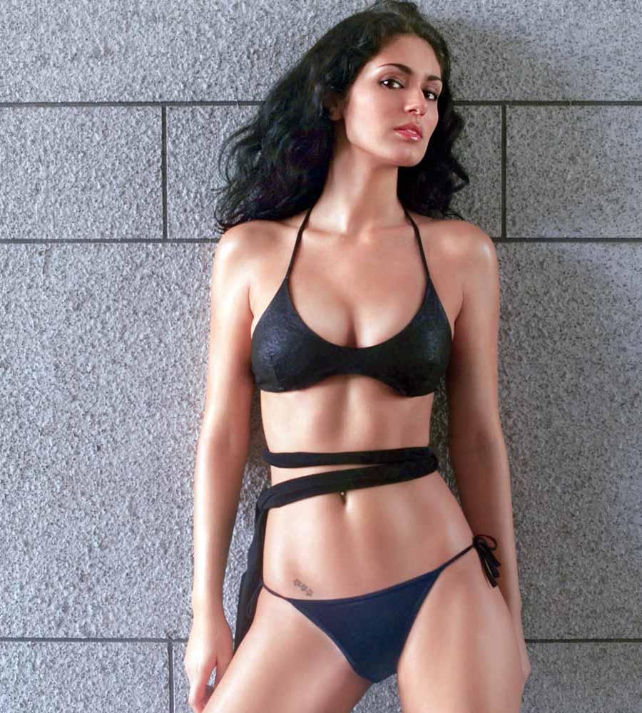 Bruna abdullah hot back bruna abdullah in short dress bruna abdullah - Bruna Abdullah Indian Actress Model Pinterest Indian Actresses And Sirens