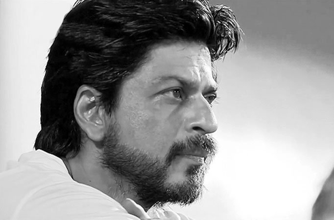 Srk In Pain But Does Garba For Raees