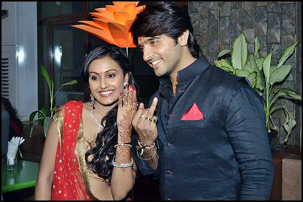 Ashish Sharma and Archana Taide are now officially engaged