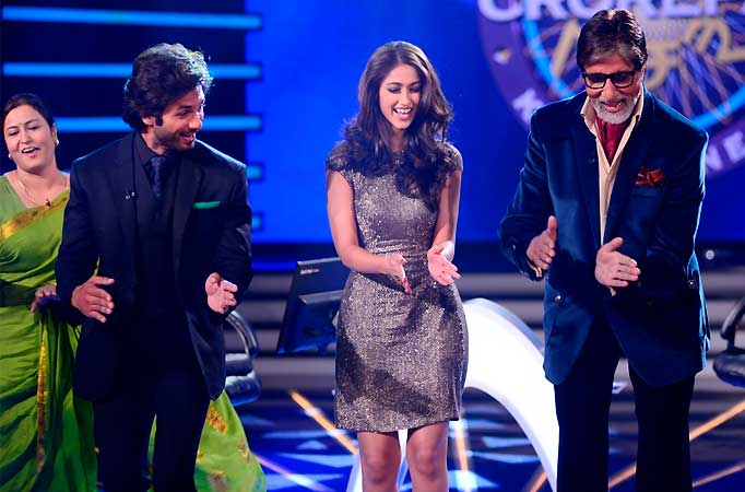 Shahid Kapoor and Amitabh Bachchan get filmy on Sony TV's KBC