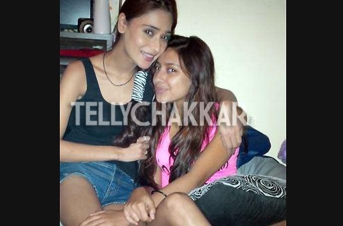 Pratyusha Banerjee And Sara Khan Kiss