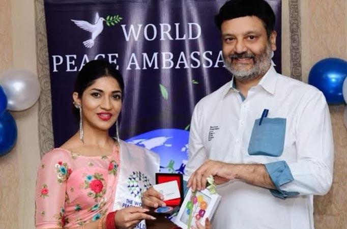 Actress Iti Acharya gets felicitated as the World Peace Ambassador