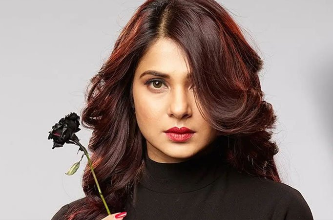Jennifer Winget hits another milestone in her career