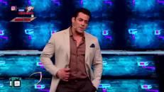 Weekend Ka Vaar   What made Paras Chhabra insult Siddharth Shukla in front of Salman Khan in BB13