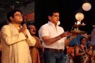 Jeetendra performs Maha Aarti with Pavitra Rishta's family