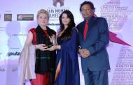 Catherine Deneuve recieving the lifetime achievement award from Aishwarya Rai Bachchan Niraj Bajaj MD, Bajaj Auto