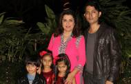 Farah Khan with her family