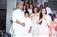 Celebs mourn Ram Mukherjee's death at his Prayer meet