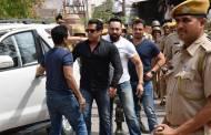 Salman, Saif, Tabu & others snapped at Jodhpur court