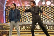 SRK steals the show at Vijay Awards