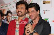 Shah Rukh Khan and Irrfan Khan give their thumbs up to Ekkees Toppon Ki Salaami