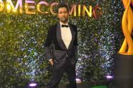 Vicky Kaushal looks HANDSOME in BLACK at IIFA Awards 2019