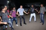 Dabangg 3 star Salman Khan performs Munna Badnaam Hua's hook step with photographers
