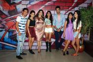 Sunny Leone with Kaisi Yeh Yaariaan team