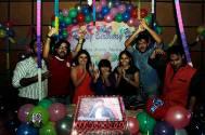 Himesh Reshammiya celebrates birthday with his The Voice India team