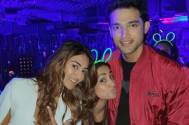 Hina Khan cutely photobombs Erica Fernandes and Parth Samthaan's photo