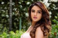 Jasmin Bhasin's recent pictures prove that she is DIVALICIOUS!