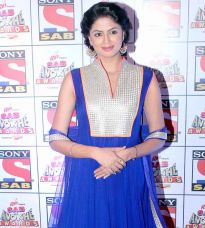 Kavita Kaushik on the red carpet at SAB Ke Anokhe Awards