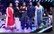Ajay Devgn, Ileana D Cruz & Sunidhi Chauhan in Super Dancer