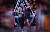 Sonakshi Sinha and Jassi Gill groove to the tunes of Indian Idol 10 contestants