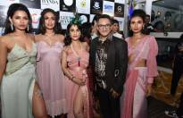 Celebs at Geeta Handa's new collection