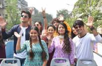 Dancer No. 1 contestants go for Mumbai Darshan