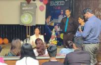 Hina Khan meet and greets her fans