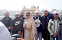 'Fukrey Returns' team visits Golden Temple