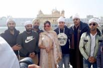 'Fukrey Returns' team visits Golden Temple