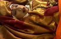 Nation bids adieu to red sari-clad beautiful Sridevi