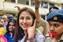 Bollywood celebrities vote in Mumbai...