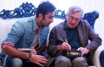 Ranbir Kapoor takes autograph from Robert De Niro