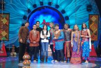 Sunidhi with Amul Star Voice of India contestants