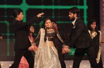 Shah Rukh Khan, Drashti Dhami and Vivian Dsena