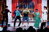 Salman Khan shows his