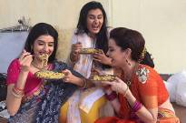 Mere Angne Mein actresses relish MAGGI